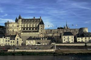 Chateau_d'amboise_depuis_l'ile